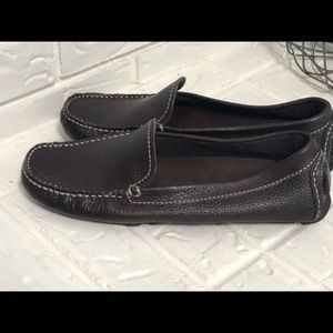 NWOB Banana Republic Chocolate loafers